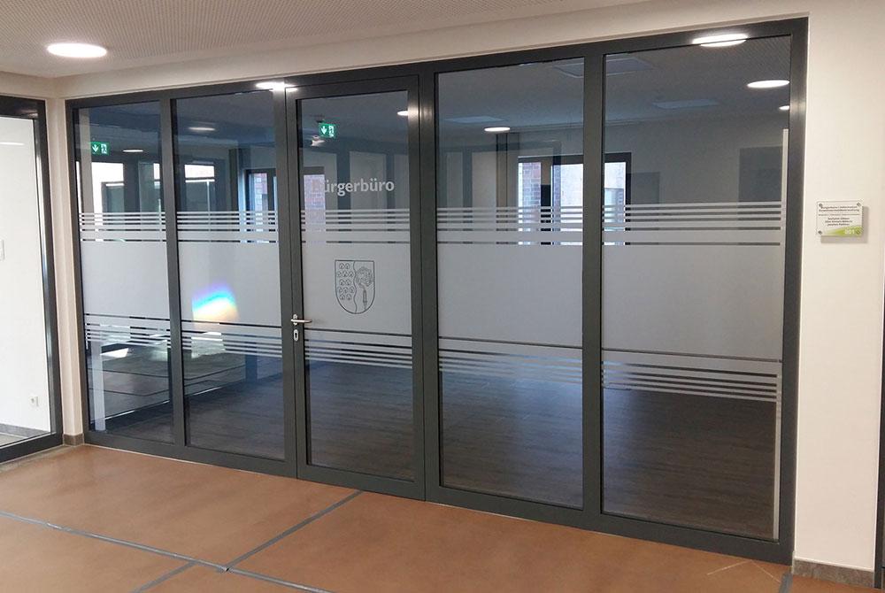 Glasdekor - Sichtschutzfolie in Streifenoptik