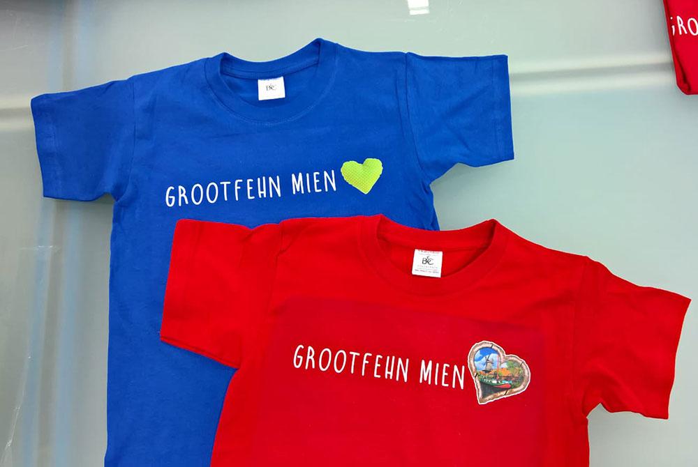 """T-Shirts mit Aufdruck """"Grootfehn mien Herz"""""""