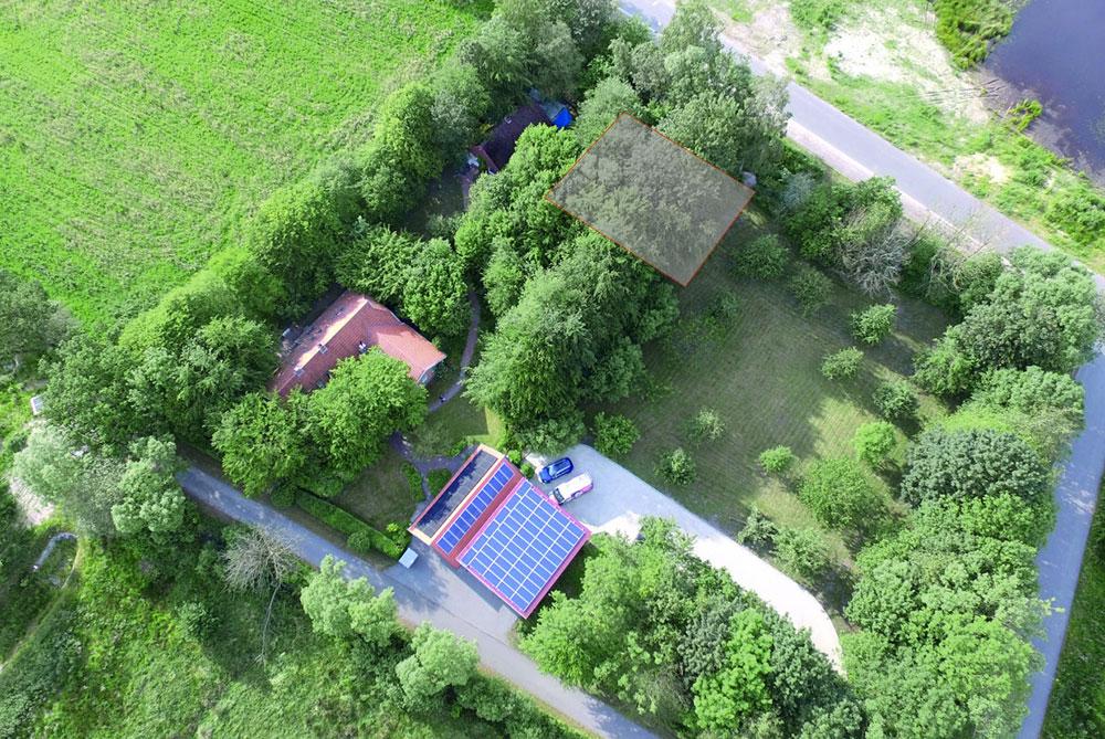 News - Wie vergrößern uns! Drohnenbild vom Grundstück in Schirum