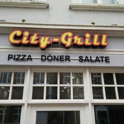 Außenwerbeanlage mit LED – City-Grill