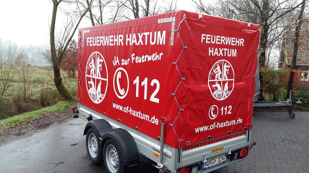 Feuerwehr Haxtum – Anhänger & Warnmarkierung