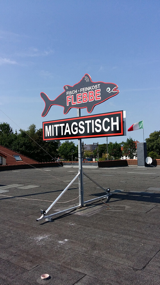 Fisch – Feinkost Flebbe – Beschilderung auf dem Dach